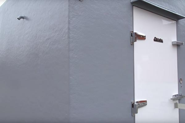 Grey exterior of Polar King freezer trailor
